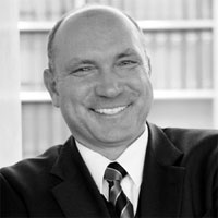 Dr. Helmut Wölfel